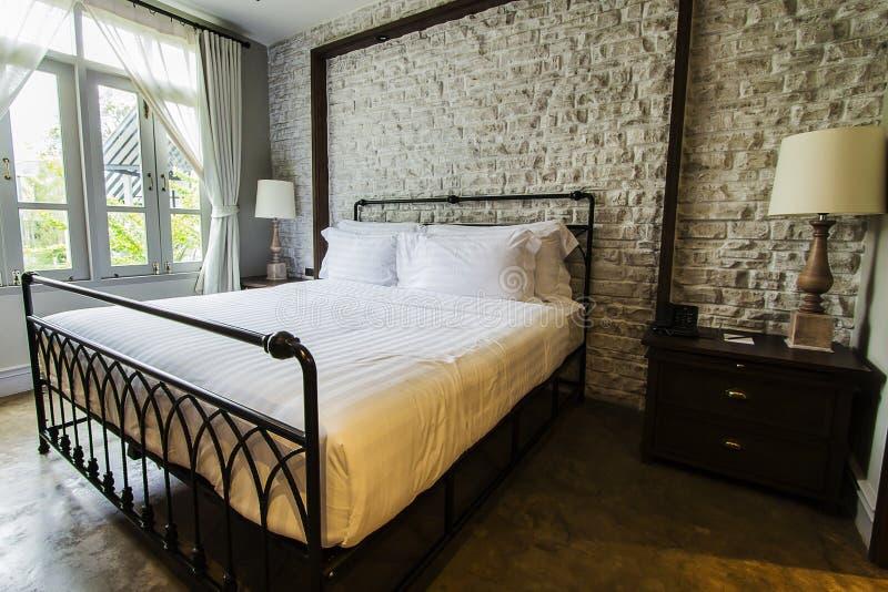 Großes Englisch-Ähnliches Landschaft Schlafzimmer Stockfoto - Bild ...