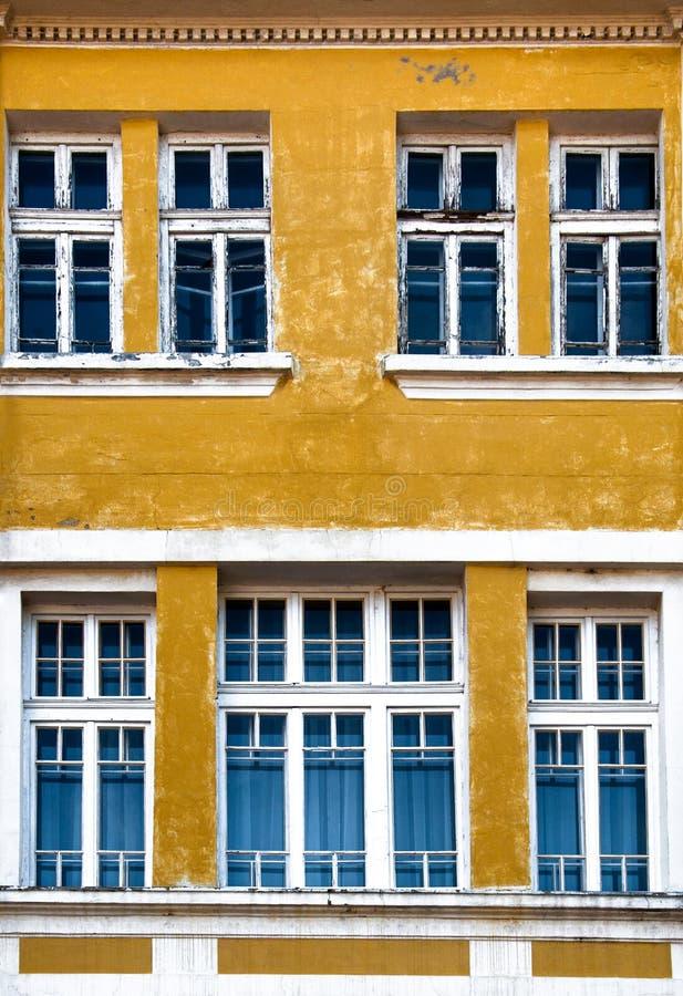 Großes Fenster im Altbau lizenzfreies stockfoto