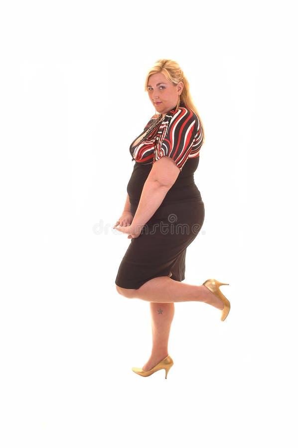 Großes Mädchen im Kleid. lizenzfreie stockfotografie