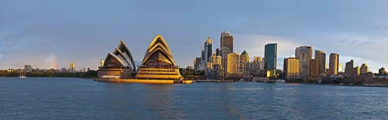 Großes Panorama des Sydney-Kreiskais lizenzfreie stockbilder