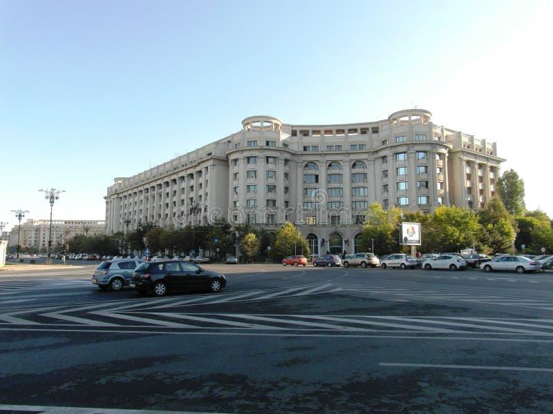 Großes Quadrat in Bukarest stockbild