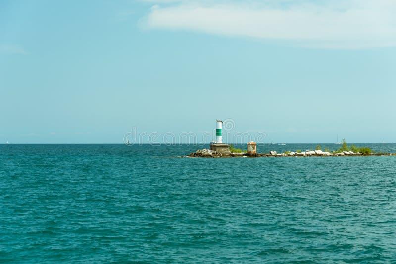 Großes Rohr auf einer Insel auf Michigan See stockbilder