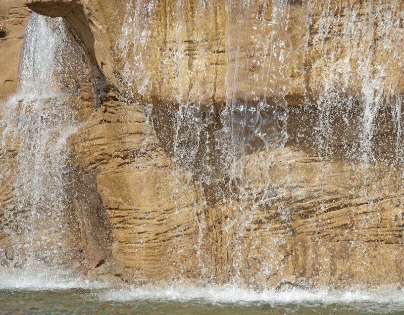 Großes Wassermerkmal In Einem Garten Lizenzfreie Stockfotografie