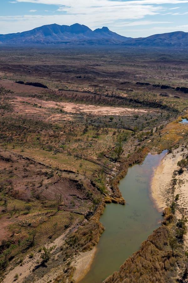 Großes waterhole in Finke-Fluss lizenzfreies stockfoto