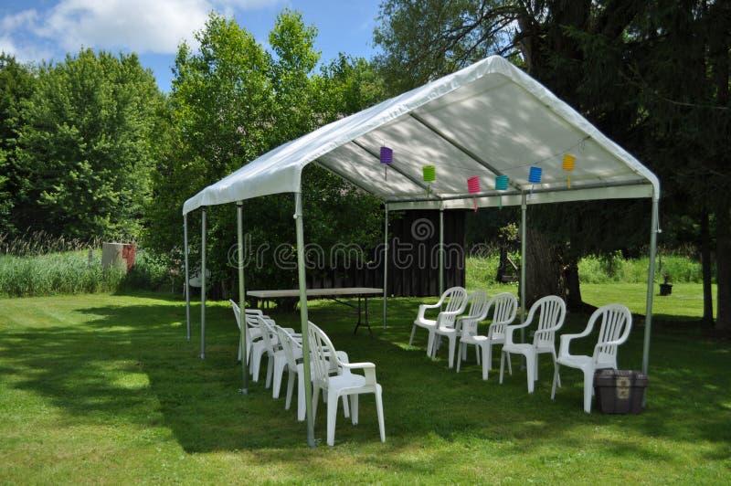 Großes weißes Party-Zelt stockfoto