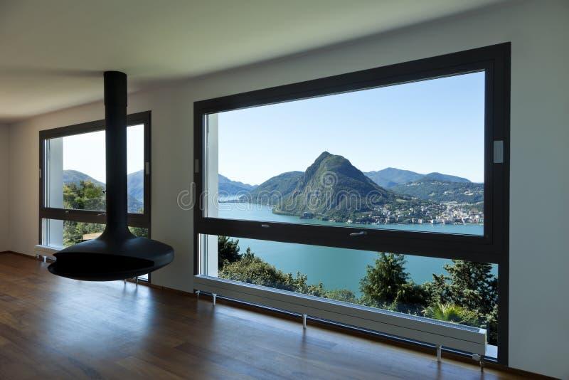 gro es wohnzimmer mit panoramischem fenster stockfoto bild von geh use perspektive 21330962. Black Bedroom Furniture Sets. Home Design Ideas