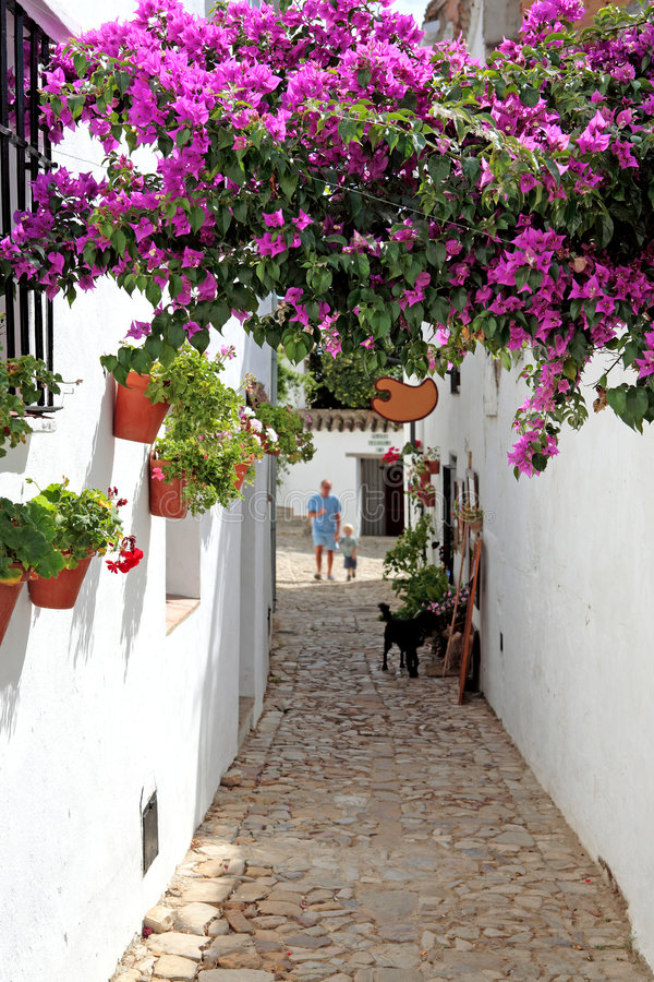 Großvater und Enkel auf Ferien in Spanien lizenzfreie stockfotos