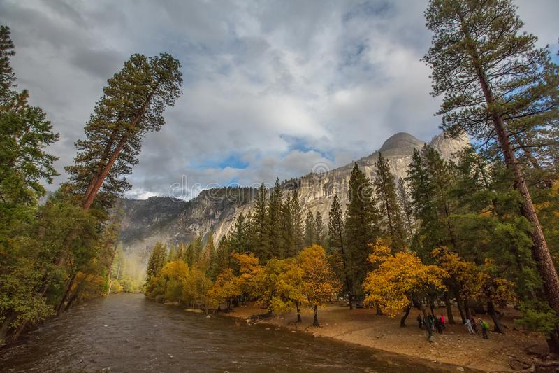 Gro?artige Ansichten von Yosemite Nationalpark im Herbst, Kalifornien, USA lizenzfreie stockfotografie