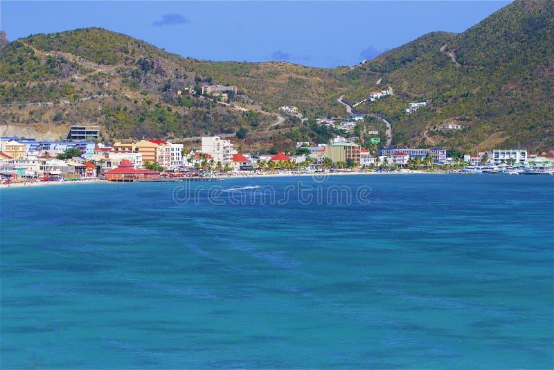 Gro?e Bucht in St. Maarten, Karibisches Meer lizenzfreie stockfotos