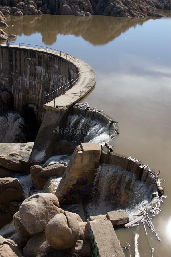 grobelny płynie nad wodą zdjęcia royalty free
