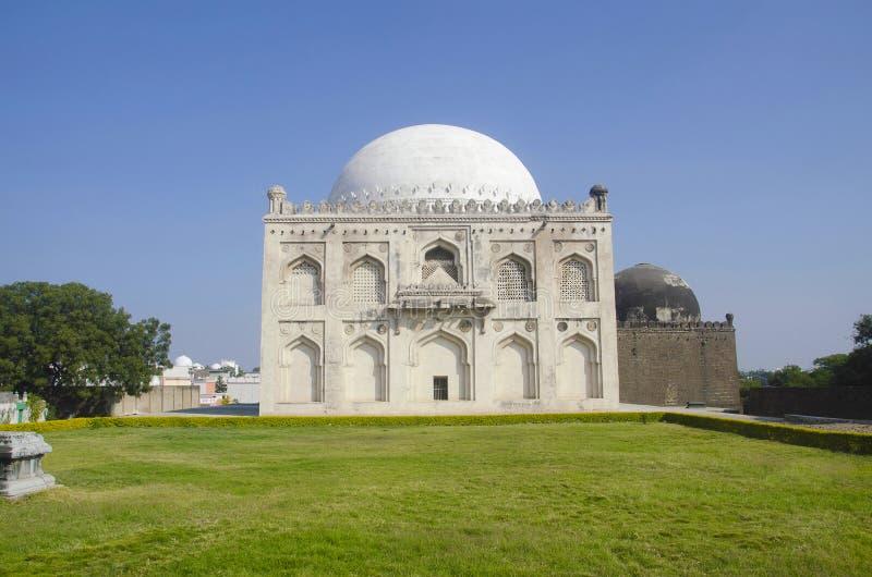 Grobowiec Mujahid Shah, Haft Gumbaz kompleks, Gulbarga, Karnataka zdjęcia stock