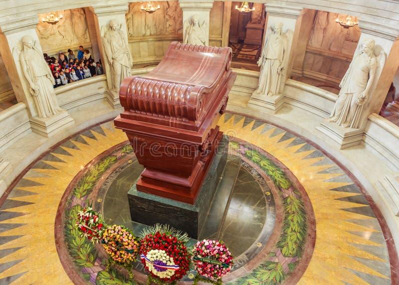 Grobowiec Napoleon Bonaparte St Louis katedra Invalides fotografia stock