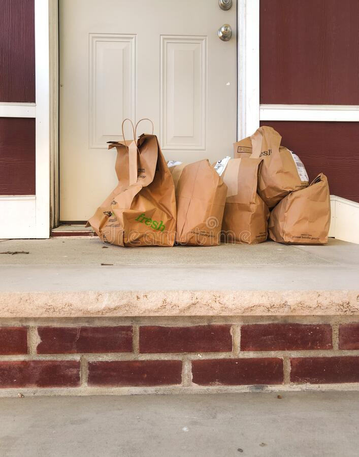 Free Grocery Food Order Delivery To Front Door Steps House NY Stock Photo - 185041860