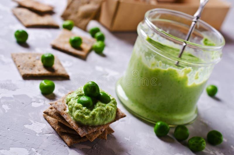 Grochowej zieleni upad zdjęcia royalty free