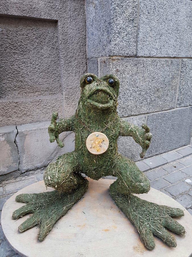 Groda av gräs arkivfoto