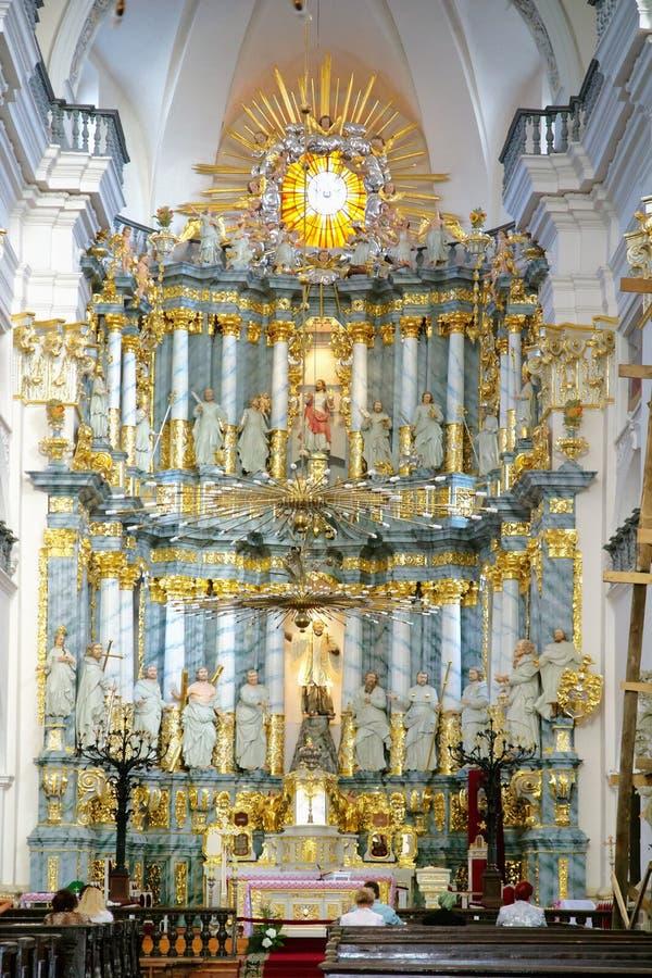 GRODNO, BELARUS - 2 SEPTEMBRE 2012 : Intérieur avec l'autel photographie stock libre de droits