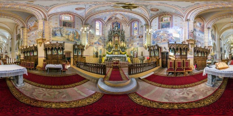 GRODNO, BIELORRÚSSIA - EM JUNHO DE 2019: panorama esférico sem emenda completo do hdri 360 graus de opinião de ângulo na igreja C fotos de stock