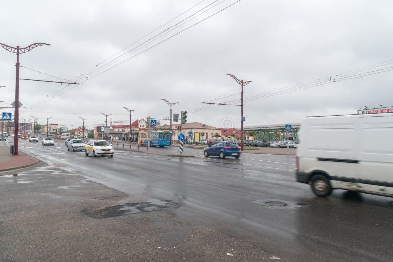 Grodno, Bielorrusia - 17 de mayo de 2019: Calle de Kosmonautow en Grodno fotografía de archivo