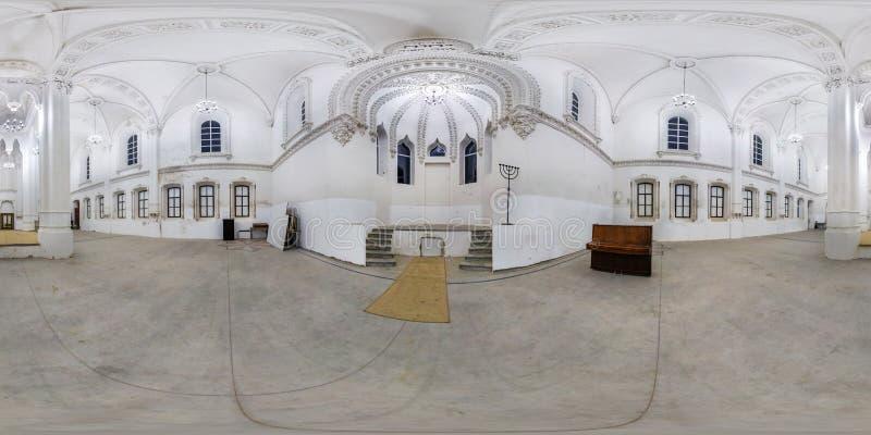 GRODNO, WIT-RUSLAND - JULI 2019: volledig naadloos sferisch hdripanorama 360 van de hoekgraden mening binnen van binnenland van g royalty-vrije stock afbeelding