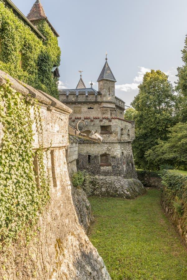 Grodowego Lichtenstein †'battlement i ściana fotografia royalty free