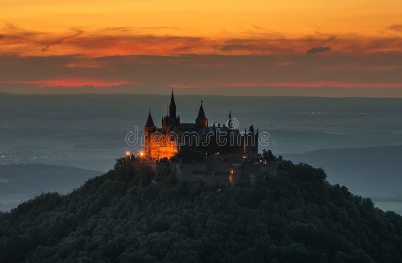 Grodowy Hohenzollern z widokiem swabian alba fotografia stock