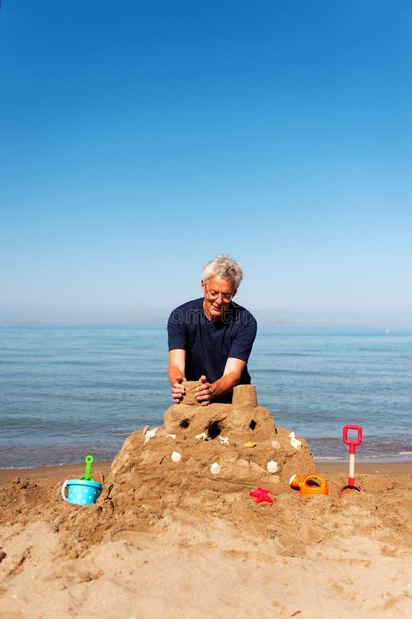 grodowy starszych osob mężczyzna piasek obrazy royalty free