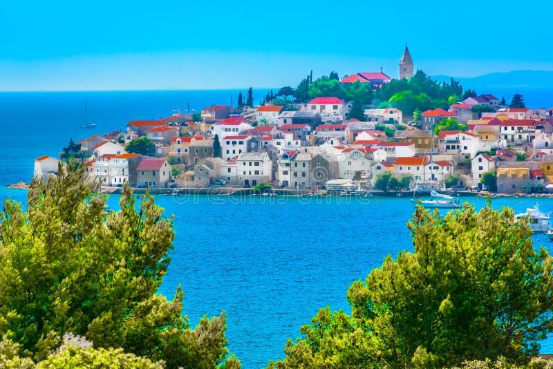 Grodzki Primosten w Chorwacja, Śródziemnomorskim zdjęcie royalty free