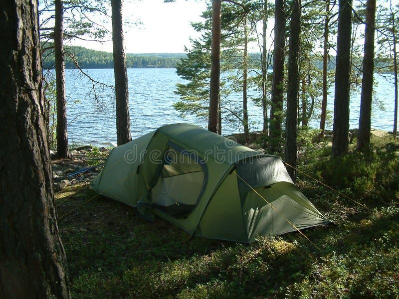Download Groen stock afbeelding. Afbeelding bestaande uit campsite - 294449