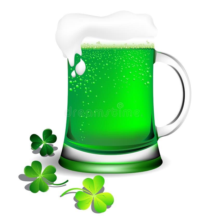 Groen bier in glaswerk voor St Patricks Dagkaart stock illustratie