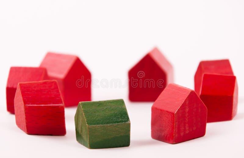Groen huis royalty-vrije stock afbeeldingen