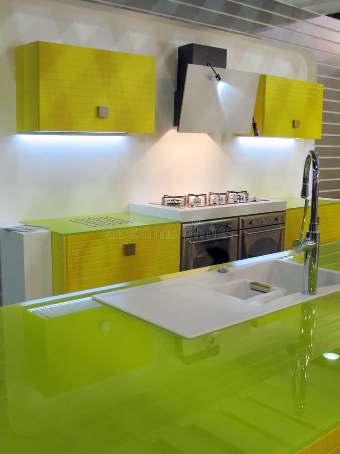 Groen keukenbinnenland stock fotografie
