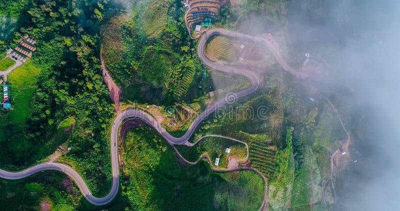 Groen landschap, weg, aard, land, heuvel royalty-vrije stock fotografie