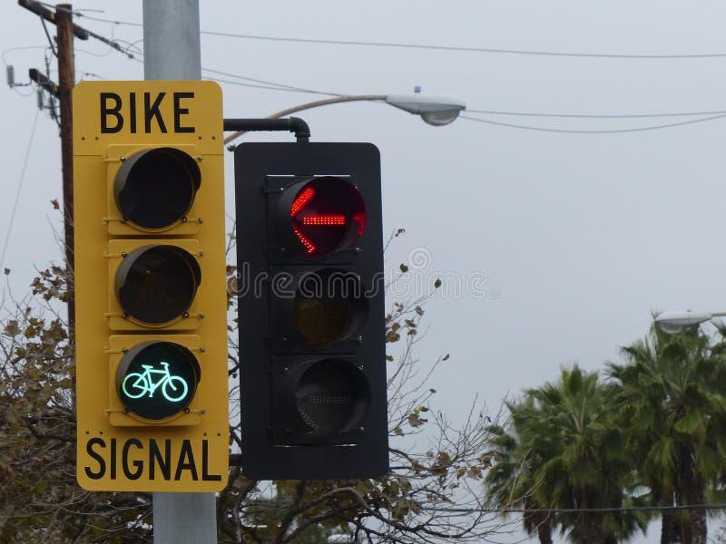 Licht In Fietswiel : Licht fiets youtube