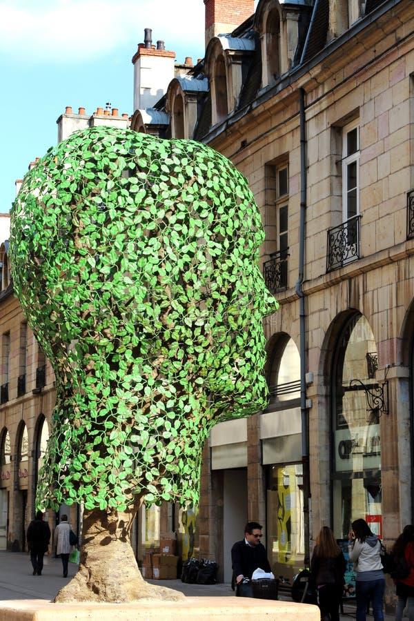 Groen metaalhoofd in Ruede La Liberté, Dijon, Frankrijk royalty-vrije stock afbeeldingen