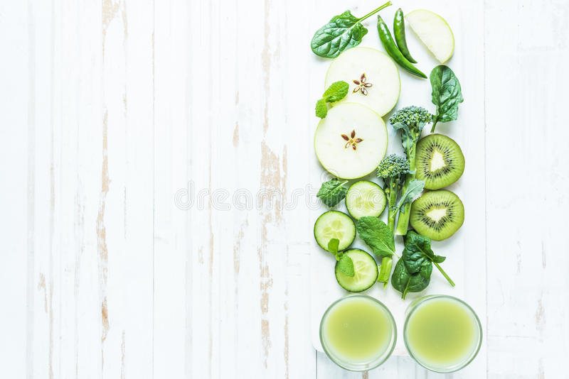 Groen super smoothierecept stock fotografie
