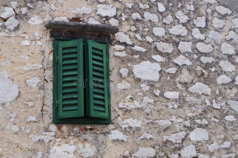 Groen venster stock foto