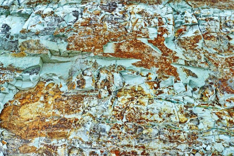 Groenachtig blauwe steen met metaaltoevoegingen royalty-vrije stock afbeelding