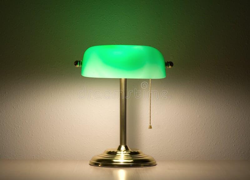 Groene bankierslamp stock afbeeldingen