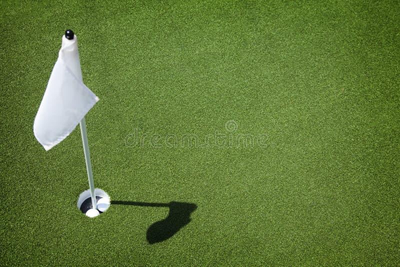 Groene de Cursus van het golf - Gat en Vlag royalty-vrije stock afbeeldingen