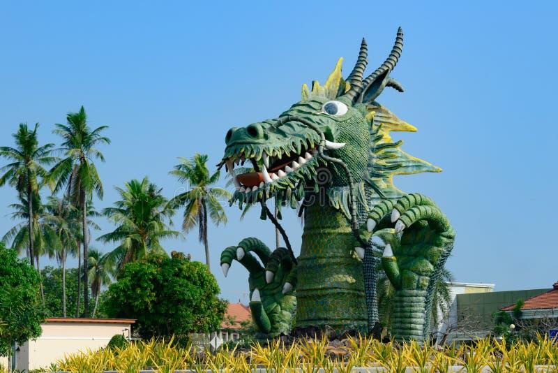 Groene draak bij het channeling van eiland in Sihanoukville, Kambodja stock afbeeldingen