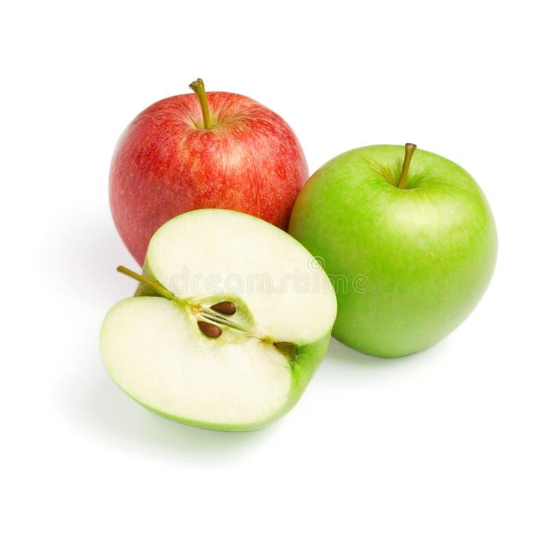 Groene en rode appelen met plak op wit royalty-vrije stock foto