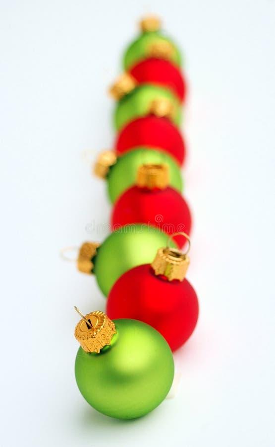 Groene en Rode Ornamenten royalty-vrije stock afbeelding
