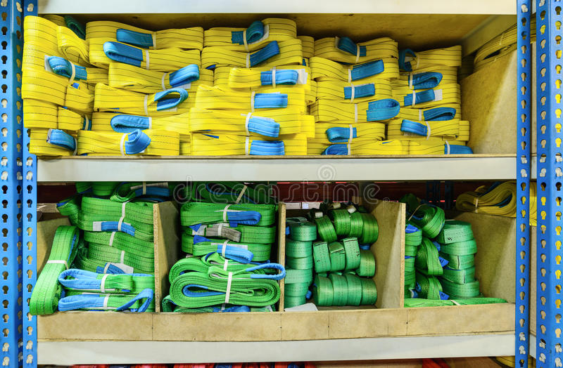 Groene, gele nylon zachte opheffende die slingers in stapels worden gestapeld royalty-vrije stock afbeeldingen