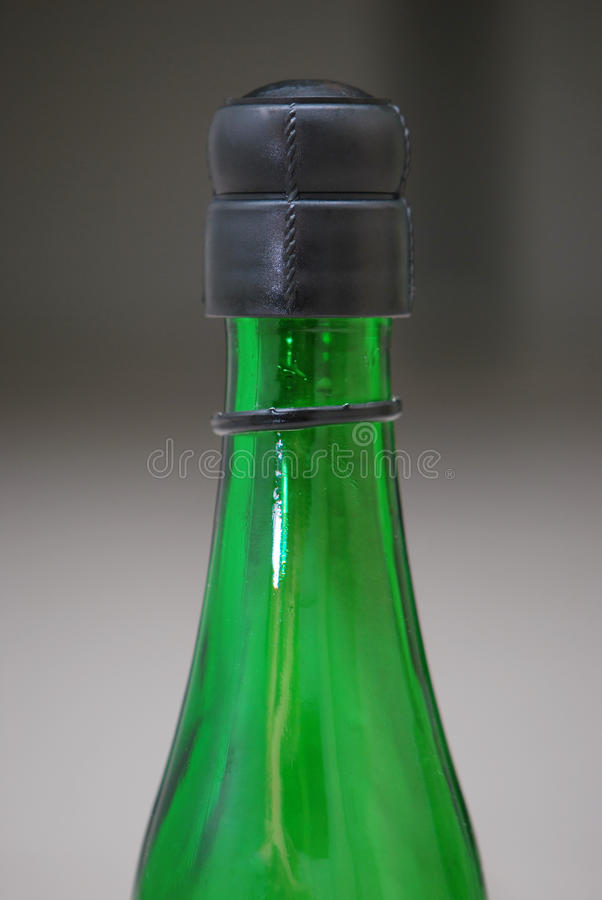 Groene Glasfles royalty-vrije stock afbeelding