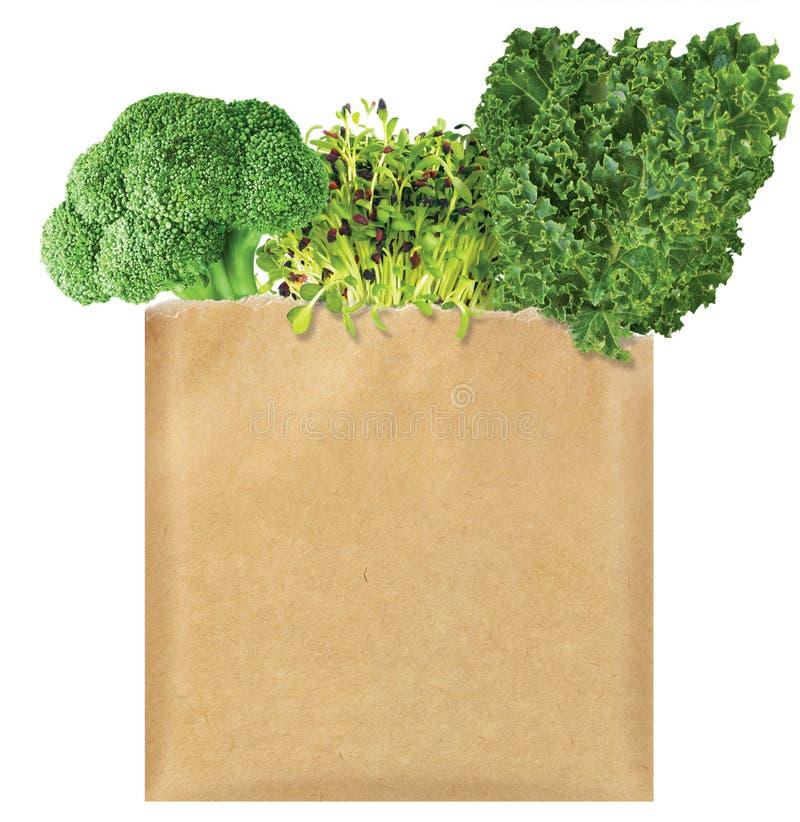 Groene Groenten in een pakpapierzak royalty-vrije stock fotografie
