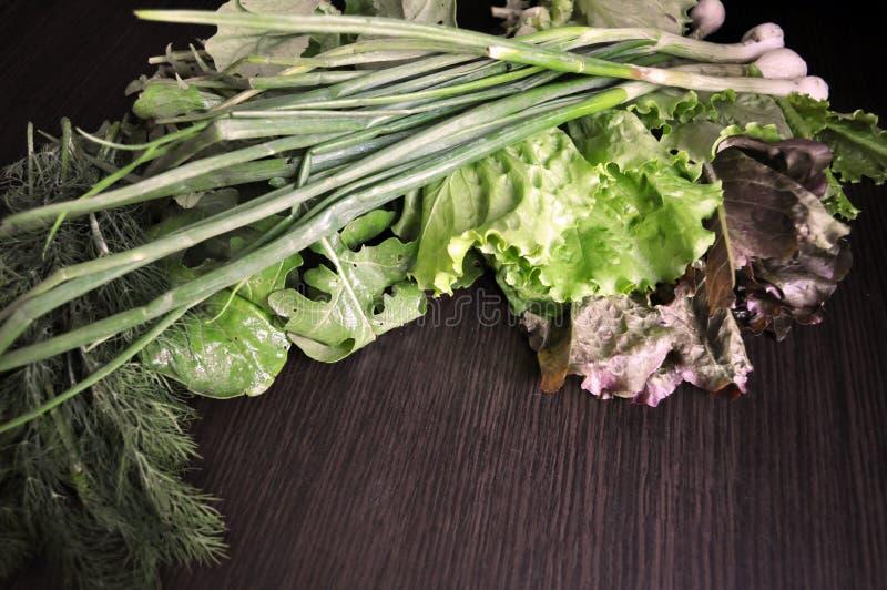 Groene Groenten Reeks diverse seizoengebonden groene groenten stock foto