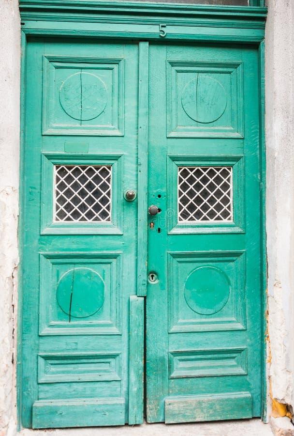 Download Groene Kleur, Oude Stijldeur Stock Afbeelding - Afbeelding bestaande uit mooi, geweven: 39112021