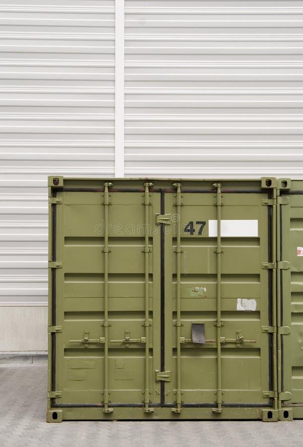 Groene ladingscontainer royalty-vrije stock foto's