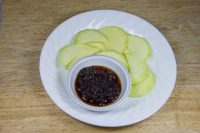 Groene mango met zoete vissensaus (4) royalty-vrije stock afbeelding
