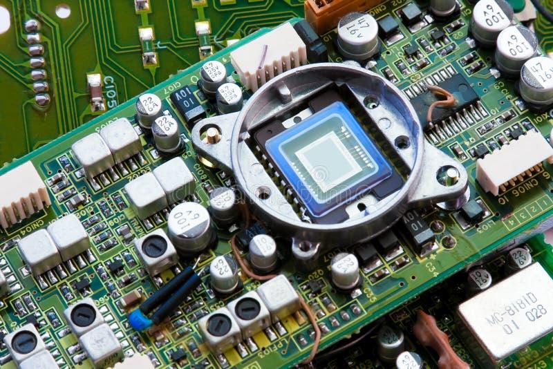 Groene motherboard met spaander stock fotografie